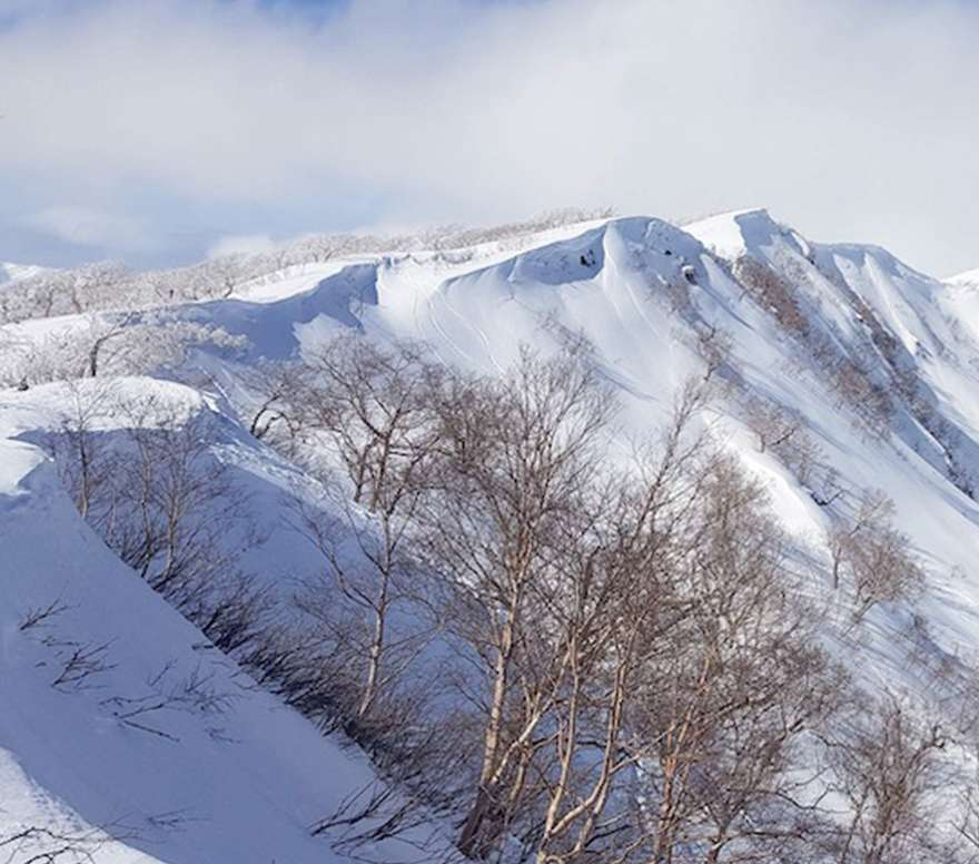 The mountains above Myoko Kogen have some amazing back country